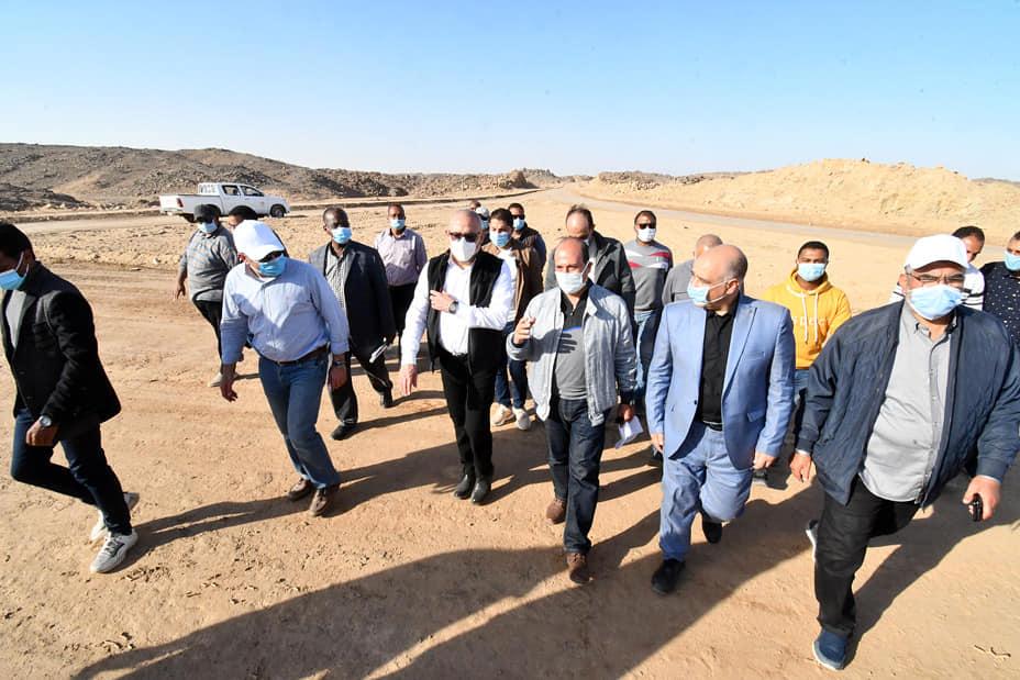 عاصم الجزار في جوله تفقدية موسعة بمحافظة أسوان