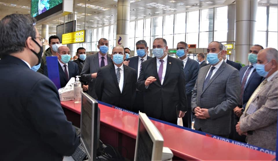 وزير الطيران ووفد منظومة الشكاوى الحكومية يتفقدو مركز خدمة العملاء 6