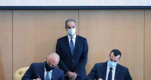 وزير الاتصالات يشهد توقيع اتفاقيات تخصيص ترددات بين جهاز تنظيم الاتصالات و3 شركات محمول