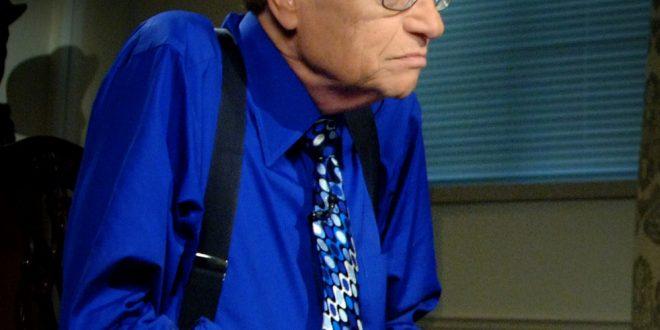 وفاة الإعلامي لاري كينج صاحب أعلى دخل في الولايات المتحدة